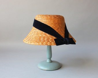 1950s Hat / Vintage 50s Golden Straw Hat / Fifties Straw and Velvet Bow Hat