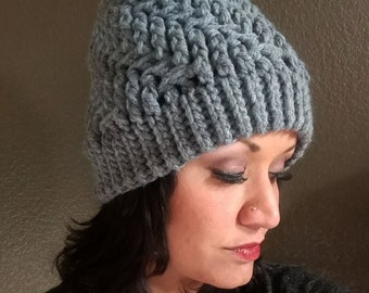Wandering Trellis Crocheted Bulky Hat With Pom Pom in GREY