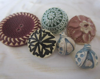 Vintage Buttons -lot of 1940's 6 assorted colors and designs buffed celluloid, (2 ladybugs)buttons( jan 118-17)