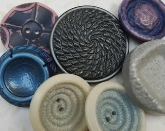 Vintage Buttons - Cottage chic mix of Blue and grey  lot of 7 old and sweet(feb207 17)