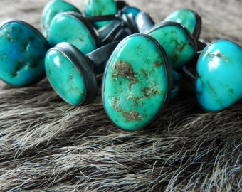 Turquoise nugget ring | Raw turquoise ring | Turquoise stone ring | Turquoise jewelry | Organic stone jewelry | Mineral ring | Beijo Flor