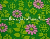 Pink Daisies- Vintage Fabric New Old Stock 60s 70s Fun and Bright