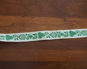 Pretty Green Floral - Vintage Fabric 50s 60s New Old Stock Binding