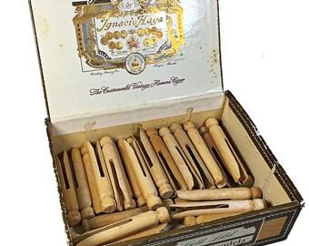 35 wooden vintage clothes pins in old Palmas Candela Cigar Box
