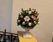 Miniature roses arrangement