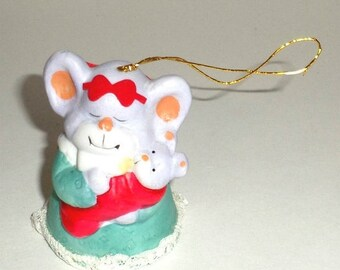 Blow Out Sale Vintage Jasco Critter Bell - Mouse Ornament - Mamma Mouse with Baby - Christmas Mouse - Christmas Ornament - Bell Ornament - P