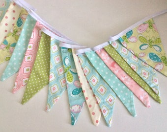 Butterfly Bunting / Fabric Garland / Banner - Girls bedroom, Spring banner, 15 flag banner