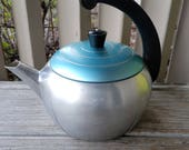 Retro Wear-Ever Aluminum 2 1/2 Quart Tea Kettle Teapot