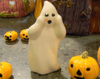 Ceramic Ghost  OH MY,   scared GHOST   Boo   terrarium miniature glazed Pottery . Spooky Boo Goblins Halloween decor safe Outside
