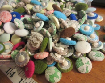 1,000 cloth back buttons vintage from 50s satin, lace cloth covered buttons velour quilted lot