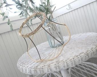 Vintage Lampshade * Lamp Shade * Shade Frame * Scalloped