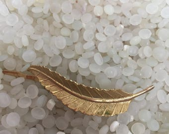 wonderful vintage barrette, gold leaf, molded gold tone, hair clip,