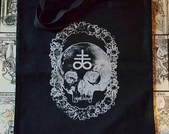 LEVIATHAN II - Black and SILVER Skull Floral Tote Bag