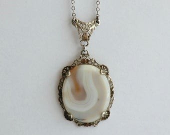 Art Deco Sterling Filigree Pendant Necklace Banded Agate Stone Creamy Organic Colors