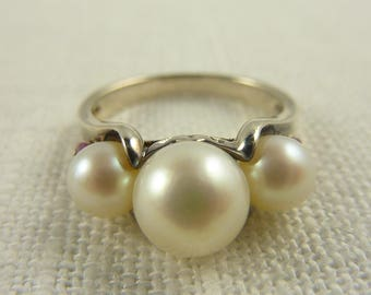Size 6 Vintage Sterling Cultured Pearls and Rubies Ring