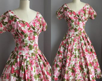 Vintage 1950s Cotton Pink Floral Novelty Print Full Circle Skirt Dress Size Small