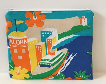 Zipper Pouch/ Makeup Bag/ Vintage 80's Fabric/ Aloha