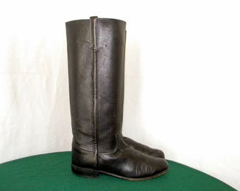 Justin Tall black leather flat Sz 7b Vintage boots for women.