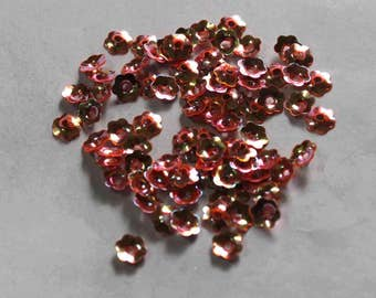 100 Metallic Pink Color/Metallic effect / Flower shape sequins/KBSF725