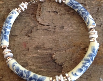 VINTAGE BEAD BRACELET - vintage bracelet- vintage beads- cool old piece