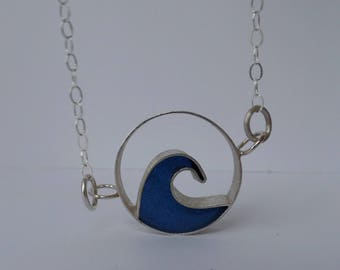 Blue wave sterling silver round pendant necklace