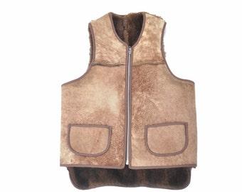vintage 60s 70s shearling vest / brown pocket vest / 1960s 1970s sherpa vest