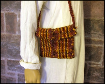 Small Handwoven Purse with Leather Button