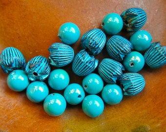 Vintage Turquoise Lucite Bead Mix, Rounds and Flowers