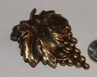 GORGEOUS PATINA- 1930s brass grape cluster pin- done so well  mint cond