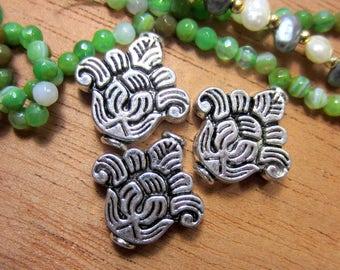 6 Antique silver flower Beads Tibetan ethnic boho chic 21.5mm x 21.5mm lead safe nickel safe 7717 (R1)