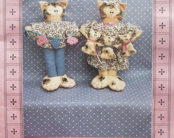 The Purrr-fect Family/Craft Sewing Pattern by Stuff-n-Stitches/1992/Uncut Pattern/12 in. Cat Dolls