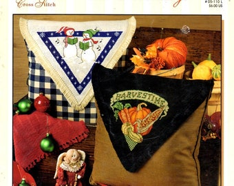 Celebrate Holidays Snowmen Thanksgiving Halloween Witch July 4 Stars Stripes Counted Cross Stitch Embroidery Craft Pattern Leaflet 05-110