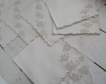 Vintage Linen Napkins Place Mats set of 8
