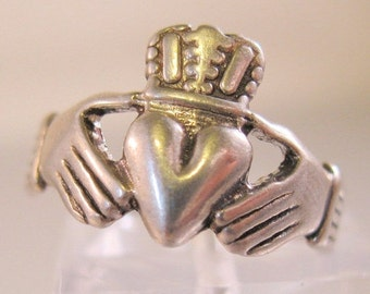 SALE NOW ON Ends 2/27/16 Claddagh Celtic Ring Sterling Silver Vintage Ring Size 5 Fine Jewelry Jewellery