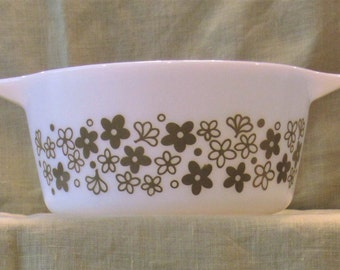 Vintage  Pyrex Crazy Daisy Casserole Dish Retro Mod Mid Century Modern Green and White Glass