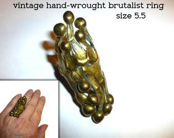 Statement Ring. Brutalist Vintage Hand Wrought Brass Sculptural  Ring. Killer Biomorphic Humanoid Shapes. Size 5.5.