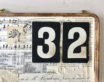 Set of vintage hymn number cards