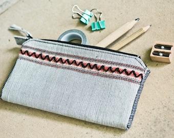 Bronze Age Series / Zig-Zag - Handwoven zipper pouch