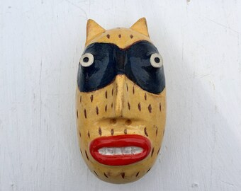 Bandit cat yellow and blue masked wall sculpture small rd. head