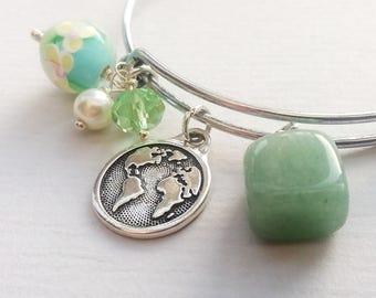Aventurine Bead Earth Charm Bangle Bracelet, Expanding Silver Bracelet, Green Glass Beads, Pearl, Beaded Bangle
