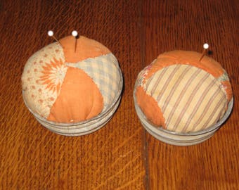 Primitive Quilt Pincushion Zinc Lid Clam Shell Block Early Fabrics Quilters Gift Antique Quilt With Ball Jar Lid Rustic Pinkeep