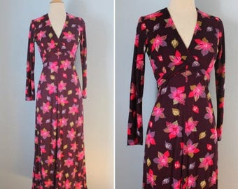 SALE 1960s maxi dress / 70s floral maxi dress / Flower Collage Maxi dress