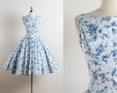 Vintage 50s dress | vintage 1950s dress | blue floral print polished cotton | full skirt | xs/s
