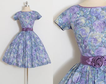 Vintage 50s Dress | 1950s dress | purple rose print | satin rosette belt | xs/s | 5507
