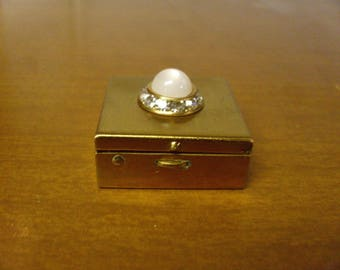 Vintage 1960's  Tiny Compact w/Screen & Powder Puff    Deadstock