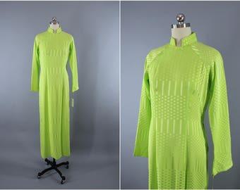 Vintage 1970s Ao Dai Vietnamese Dress / 70s 1980s Disco Lime Green / Asian Dress / Qi Pao Mandarin Style