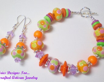 Bright Colorful Summer Bracelet and Earrings Set.Hot Fun in the Summertime Set. Orange,Green and Violet Lampwork Set