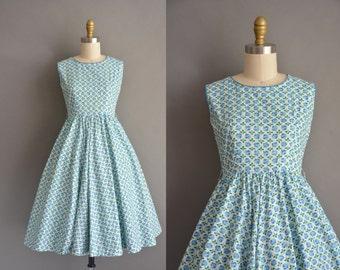 50s blue rose cotton print vintage dress. vintage 1950s dress