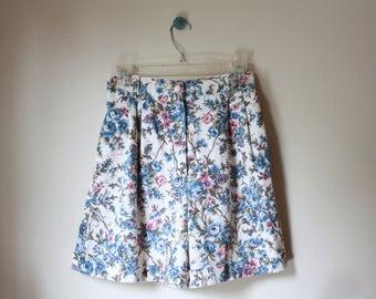 90's Floral Garden High Waist Cotton Shorts 26 Small