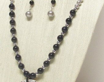 """28"""" Black and Gray Glass Pearl Necklace Set w/Pendant #20002"""